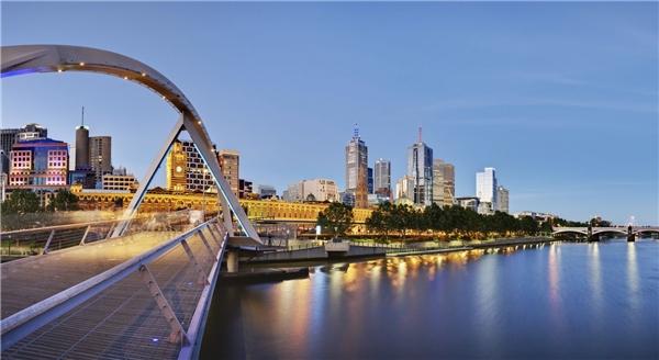 """14.Melbourne, Australia.Melbourne đã hai lần được bầu chọn bởiThe Economistlà """"Thành phố dễ sống nhất thế giới"""" dựa vào các tiêu chí như văn hóa, thời tiết, giá cả sinh hoạt, điều kiện xã hội vào năm 2002và 2004."""