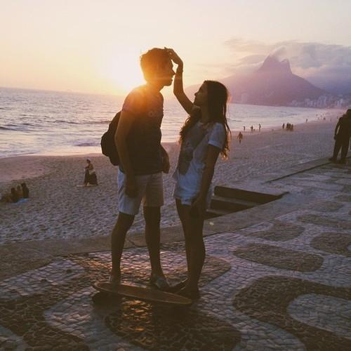 Những lý do khiến các cặp đôi chán nhau lúc... yêu gần