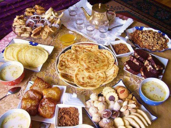 Morroco:Bữa sáng ở Morroco thường gồm các loại bánh nướng khác nhau với tương ớt, mứt, pho mát hoặc bơ.