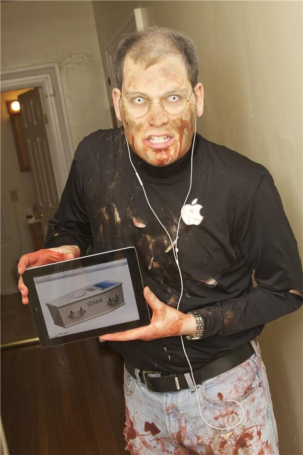 Steve Jobs phiên bản zombie cũng thú vị đấy chứ.(Ảnh: Internet)