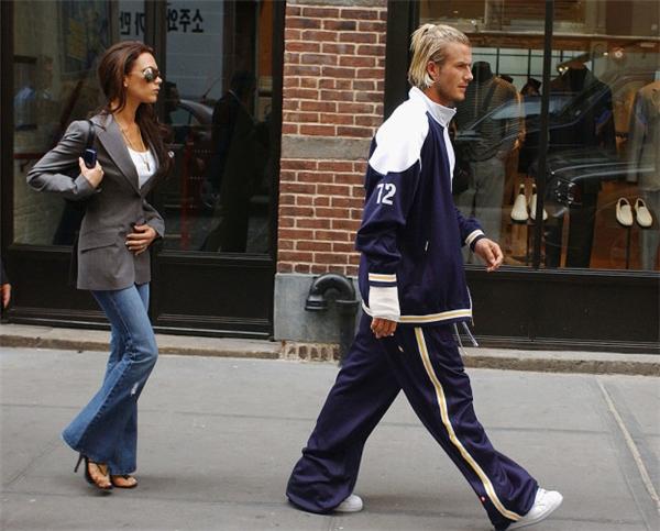David cũng từng diện quần rộng thùng thình đậm chất rapper thế này.
