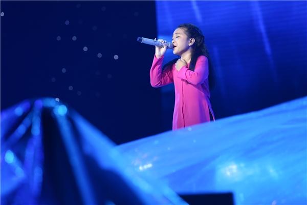 Noo Phước Thịnh rơi nước mắt khi nghe trò cưng hát về miền Trung - Tin sao Viet - Tin tuc sao Viet - Scandal sao Viet - Tin tuc cua Sao - Tin cua Sao