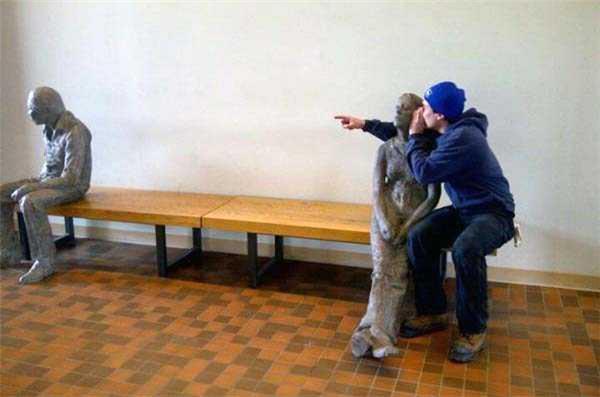 """Nói cho cô biết ông ta """"mèo mỡ"""" lắm, đừng tin lời ông ấy."""
