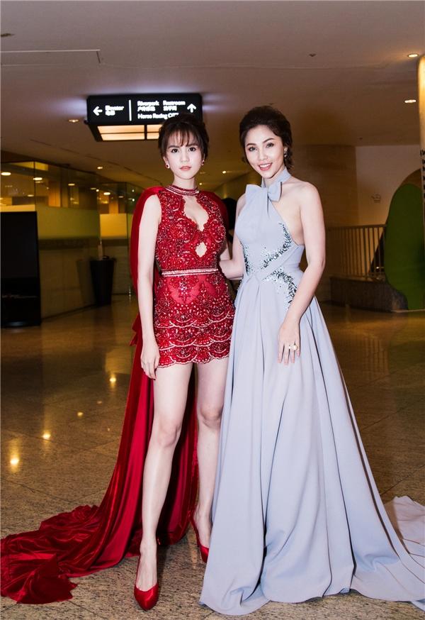 Ngọc Trinh nổi bật với trang phục của Đỗ Long.