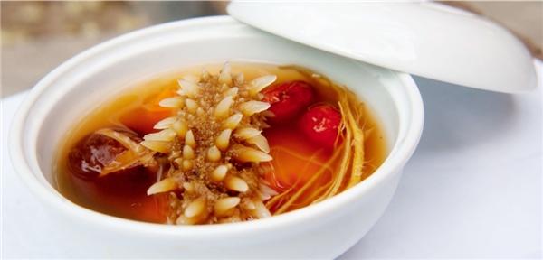 """Hải sâm là """"cao lương mĩvị"""" của ẩm thực cổ truyền phương Đông và rất tốt cho sức khỏe."""