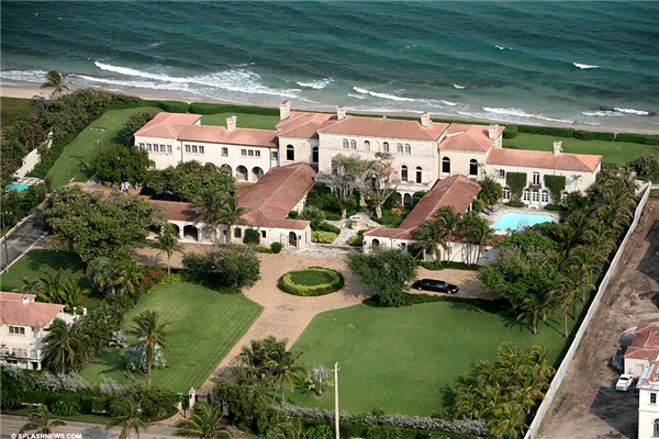 Greg Norman mua căn biệt thự này vào năm 1991 với giá chỉ 4,5 triệu đô la (99 tỷ đồng).