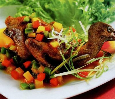 Thịt sâm cầm được cho là thập toàn đại bổ và là loại thực phẩm quí hiếm chỉ dành riêng cho bậc vua chúa.