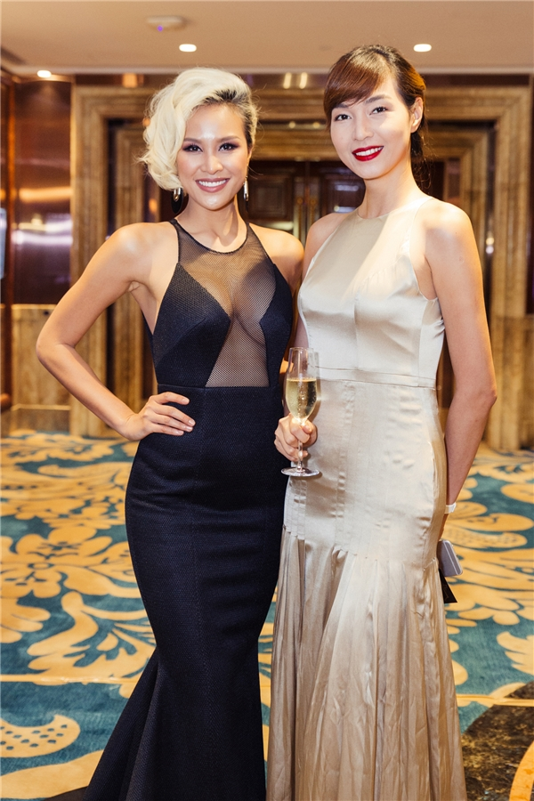 Tại đây, cô cũng có dịp gặp gỡ giải Vàng siêu mẫu 2005 - Thuý Hương và những người mẫu, nhà thiết kế, stylist nổi bật. Thời gian này, cựu giải Vàng Siêu Mẫu 2012 cũng đang cân nhắc tham gia một số dự án điện ảnh lớn cho năm 2017.