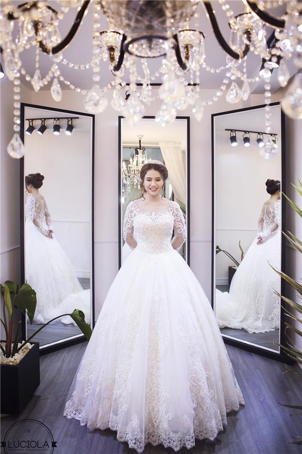 Hành trình váy cưới của cô dâu 70kg