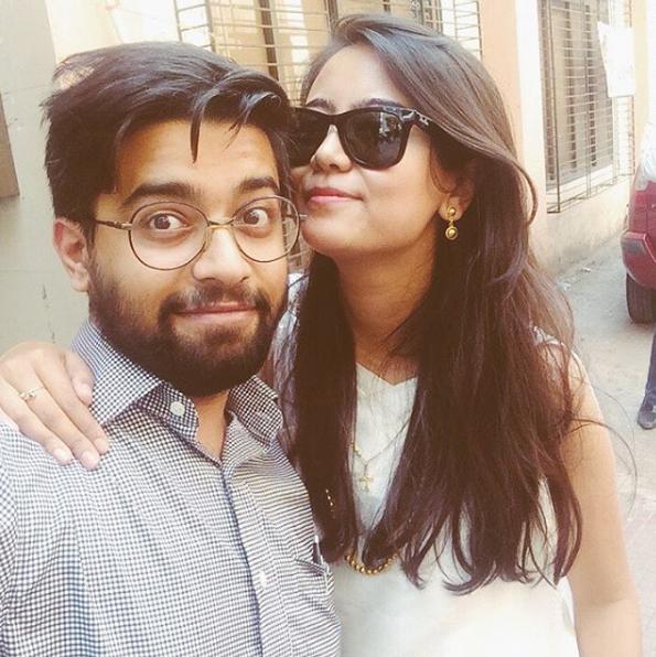 Cặp đôiDaribha LyndemvàAdhiraj Singh hiện đang sống tại Ấn Độ.