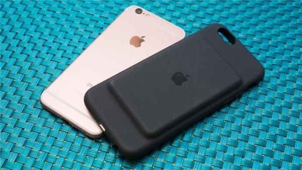 Ốp lưng sạc dự phòng của Apple làSmart Battery Case. (Ảnh: internet)