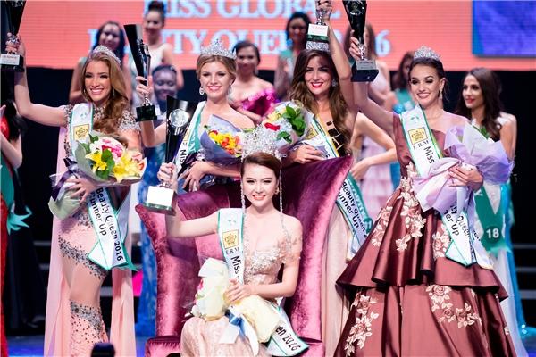 Bên cạnh giải thưởng cao nhất thuộc về Ngọc Duyên, ban tổ chức còn trao 4 giải Á hậu. Trong đó, Á hậu 1 thuộc về đại diện Romania, Á hậu 2 thuộc về đại diện Hà Lan, Á hậu 3 thuộc về đại diện Brazil và Á hậu 4 thuộc về người đẹp Venezuela.