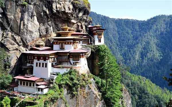 Tu viện Paro Taktsang được ví như trái tim của Bhutan.