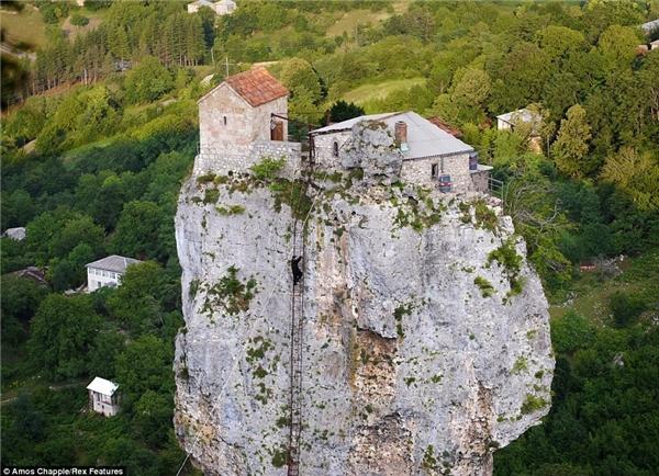 Đây từng là nơi tu hành của một ẩn sĩ thời Trung cổ.