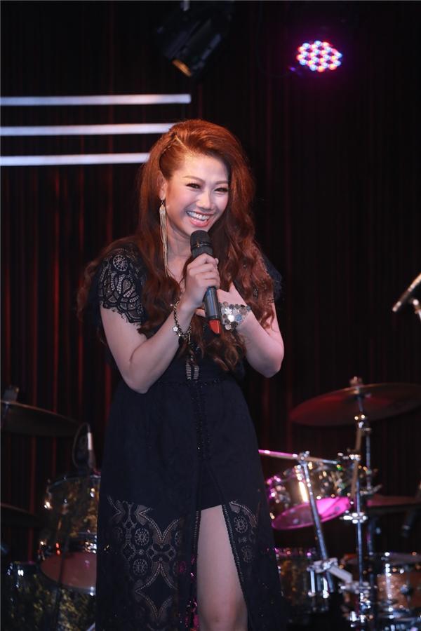 Dù không sinh ra trong gia đình có truyền thống ca hát, song nữ ca sĩ xinh đẹp, tài năng vẫn luôn cố gắng để duy trì niềm đam mê cũng như ấp ủ nhiều dự án âm nhạc đặc sắc và chuyên nghiệp.