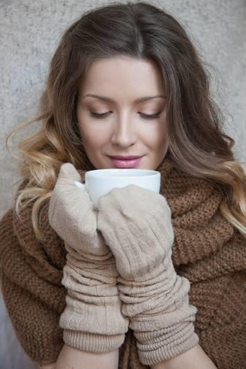 Vừa ấm áp vừa ngọt ngào lại giúp giữ da trẻ mãi thì chỉ có thể là sữa sô cô la.