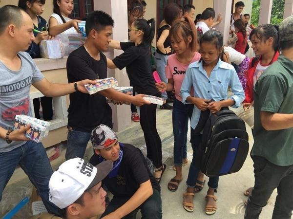 Gia Lai Team cũng có rất nhiều hoạt động ý nghĩa hỗ trợ đồng bào những vùng khó khăn ở nhiều địa phương trong nước.