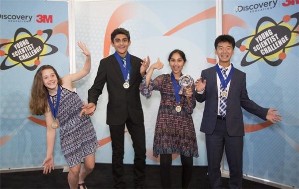 Maanasa không chỉ trở thành nhà khoa học trẻ của nước Mỹ mà còn nhận được giải thưởng tiền mặt trị giá 25.000 USD (tương đương 565 triệu VNĐ).
