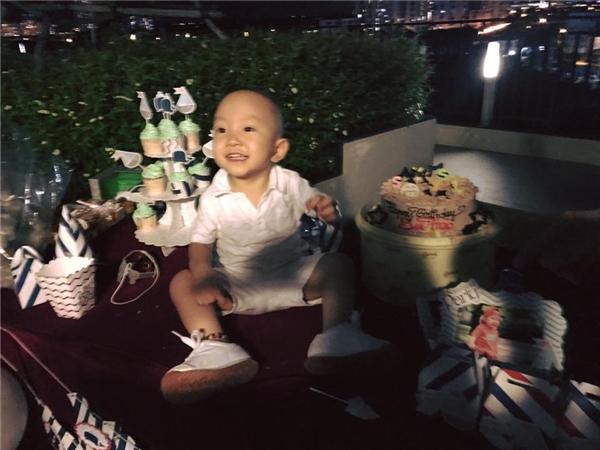 Vợ chồng Tuấn Hưng tổ chức sinh nhật ấm cúng mừng Su Hào 2 tuổi - Tin sao Viet - Tin tuc sao Viet - Scandal sao Viet - Tin tuc cua Sao - Tin cua Sao
