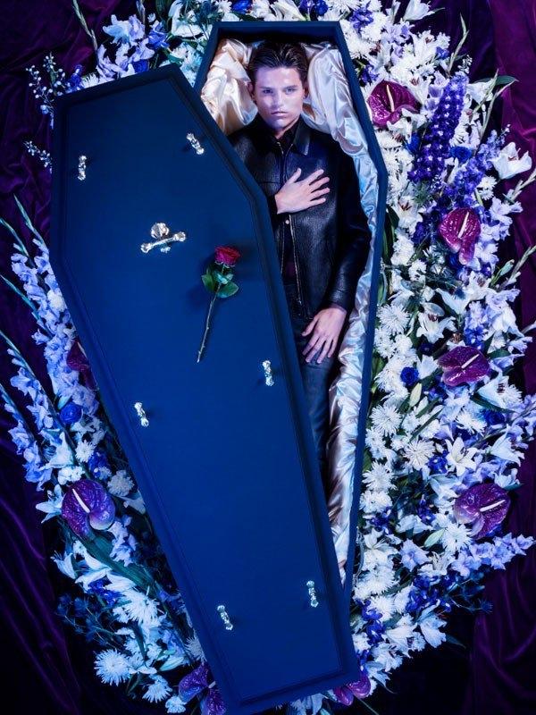 """Người mẫu trong bộ sưu tập""""Over My Dead Body"""" của Lyst.(Ảnh: Lyst)"""