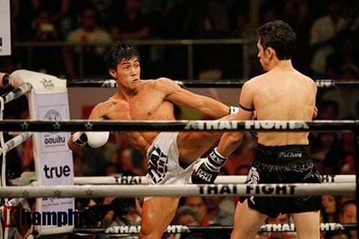 Nguyễn Trần Duy Nhất là niềm hivọng số 1 của Muay Việt Nam đủ sức để đối đầu với các võ sĩchuyên nghiệp thế giới.