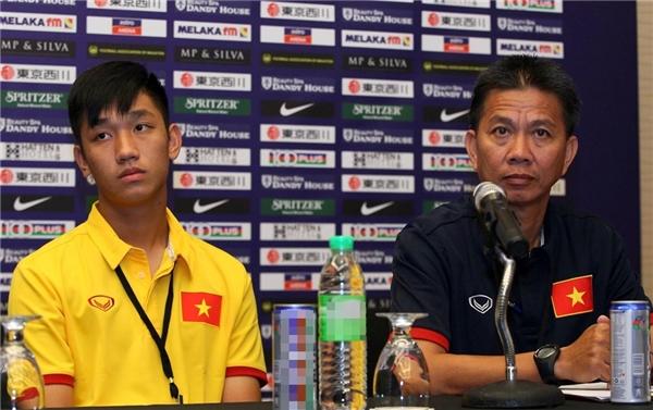 Trọng Đạicùng huấn luyện viênHoàng Anh Tuấn.(Ảnh: Internet)