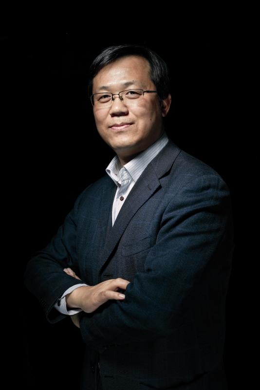 Phong Hành Studio vừatiết lộ hàng loạt thông tin gây sốc về các đời tư của cácnghệ sĩ.