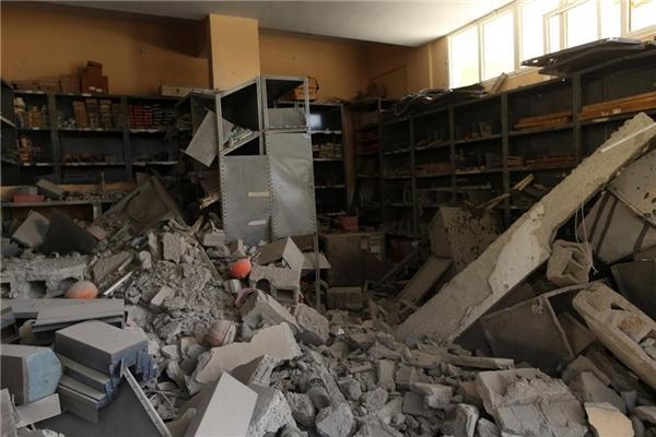 Phòng lưu trữ ngổn ngang gạch đá sau trận không kích ngày 1/6/2014.