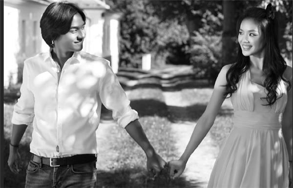 Ảnh cưới giản dị nhưng tràn đầy hạnh phúc của Thư Kỳ và Phùng Đức Luân.