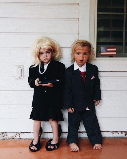Cặp song sinh phá đảo Halloween với bộ ảnh hóa trang cực đáng yêu