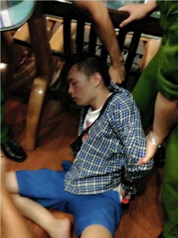 Hung thủ sau khi bị cơ quan công an bắt giữ. (Ảnh: Vntb)