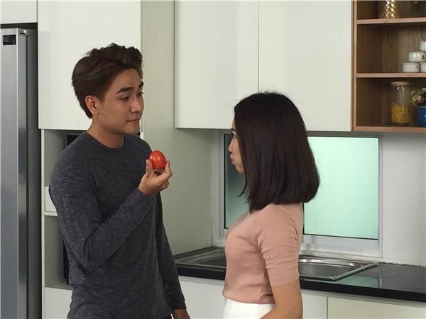 Hé lộ hình ảnh hậu trường thú vị trong MV mới của Huy Nam