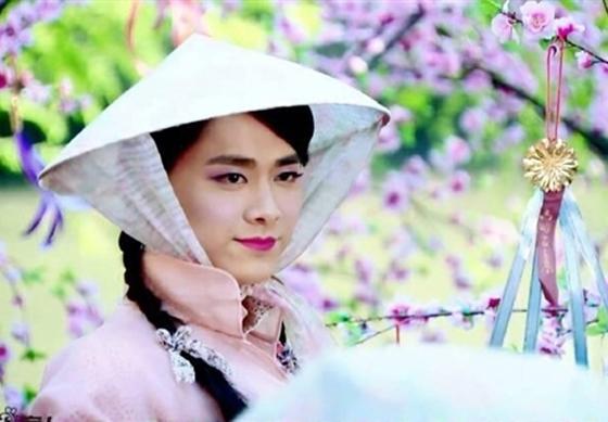 Cô thôn nữ LýDịch Phong vô cùng xinh đẹp.