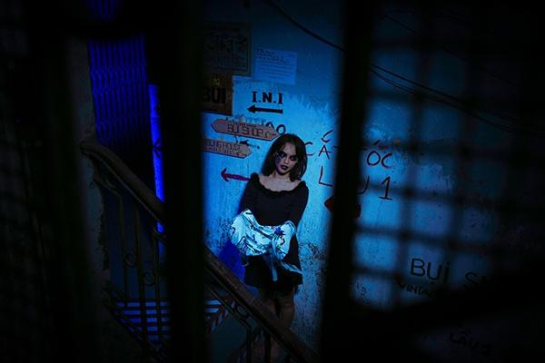 Thời gian qua, Mai Ngô dành nhiều thời gian để làm việc với các nhãn hàng, show thời trang. Gần đây nhất, nữ người mẫu có cơ hội đồng hành cùng huấn luyện viên Lan Khuê tại Seoul Fashion Week và chuỗi hoạt động từ thiện tại Hà Tĩnh để giúp đỡ đồng bào miền Trung.