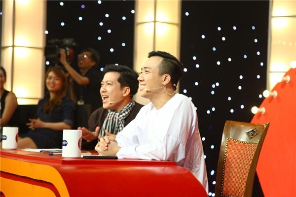 Tập thi đầu tiên hứa hẹn sẽ mang đến cho người xem những màn biểu diễn cười nghiêng ngả đầy bất ngờ. Chương trình sẽ chính thức lên sóng vào lúc 21g30, tối thứ Tư, ngày 2/11/2016 trên kênh HTV7. - Tin sao Viet - Tin tuc sao Viet - Scandal sao Viet - Tin tuc cua Sao - Tin cua Sao