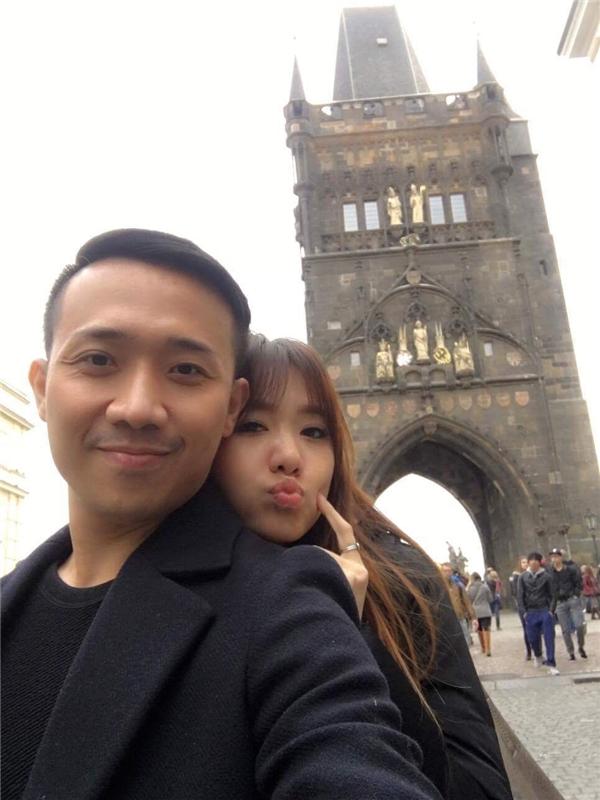 Mặc tin đồn đám cưới, Trấn Thành tình tứ bên Hari Won nơi trời Âu - Tin sao Viet - Tin tuc sao Viet - Scandal sao Viet - Tin tuc cua Sao - Tin cua Sao