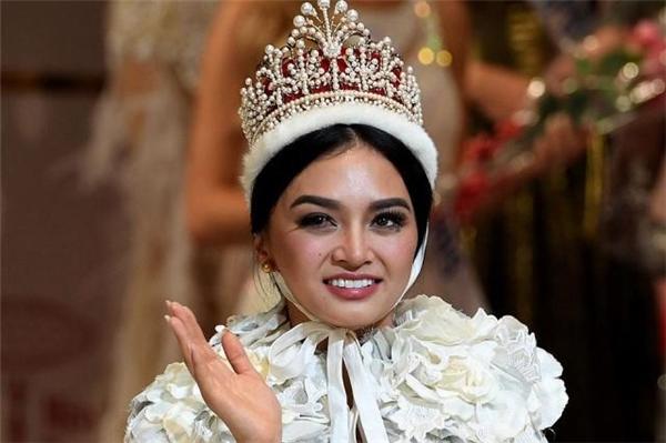 Nguyễn Loan phân trần chuyện chê Hoa hậu Quốc tế 2016 xấu xí
