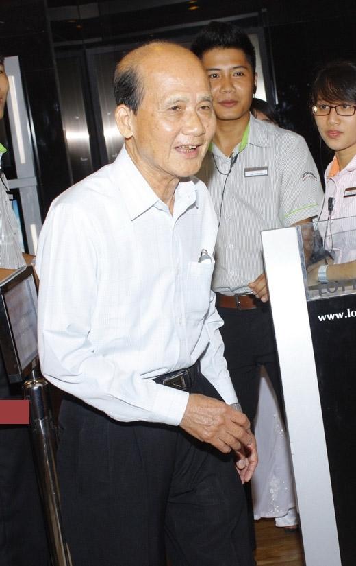 Hình ảnh nghệ sĩ Phạm Bằng với mái đầu hói, nụ cười hiền từ cùng dấu ấn trên sân khấu kịch gần 60 năm chắc chắn sẽ mãi được lưu giữ trong trái tim người hâm mộ.