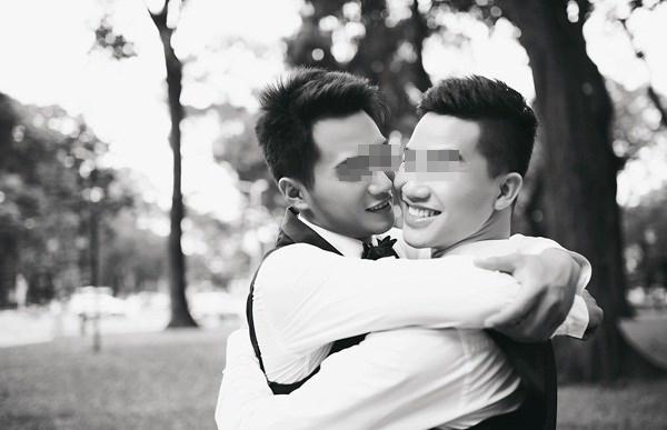 Tâm thư nghẹn ngào của cô em gái gửi anh trai đồng tính đã mất