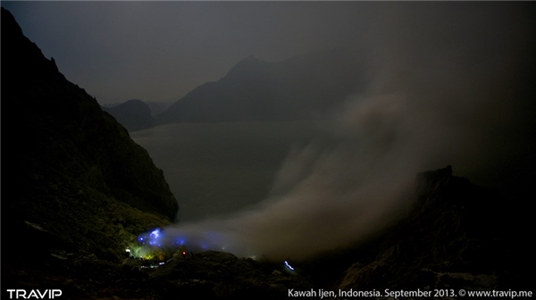 Ljen, một điểm du lịch của Indonexia cách Việt Nam 3 giờ bay.