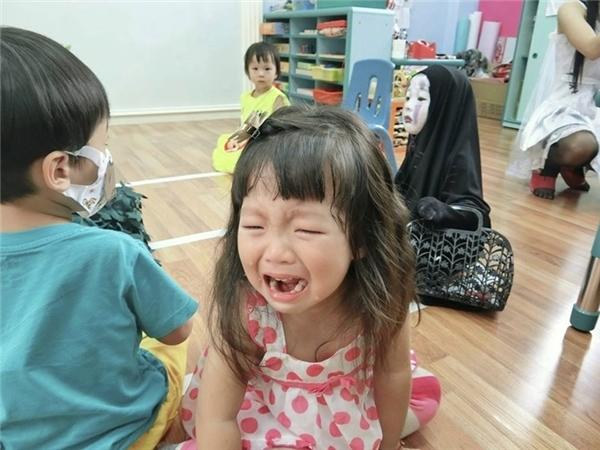 Bạn thân của Meng Meng cũng không nhận ra cô bé.