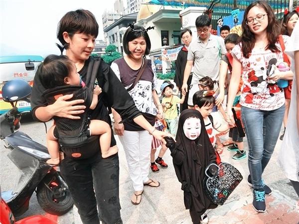 Mẹ của Meng Meng đã mất 10 phút đểhoàn thành tác phẩm.