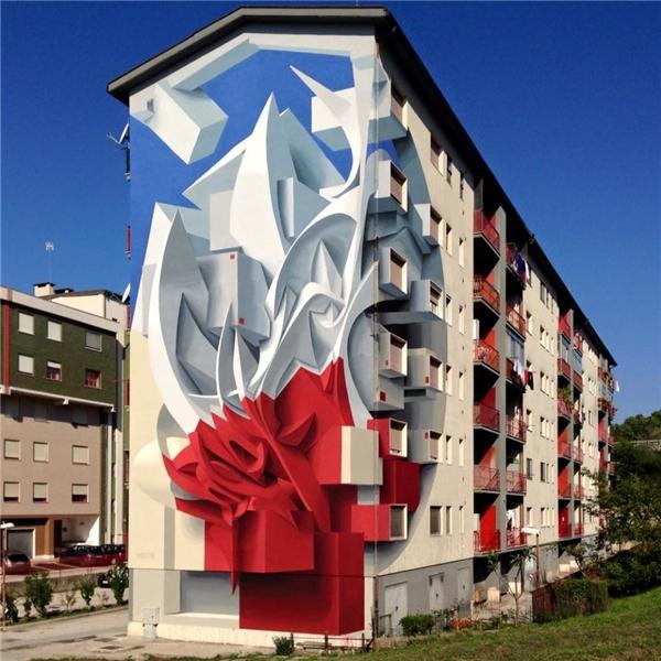 Một tòa nhà với hình vẽ3D tựa như một mảng điêu khắc ở Venice, nước Ý. (Ảnh: Internet)