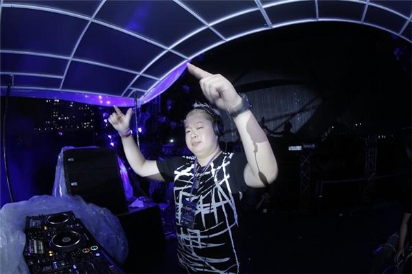 DJ Nuckin' Futs - Tin sao Viet - Tin tuc sao Viet - Scandal sao Viet - Tin tuc cua Sao - Tin cua Sao