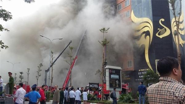 Đám cháy Cầu Giấy đã được dập tắt, tiếp tục tìm kiếm cứu hộ nạn nhân