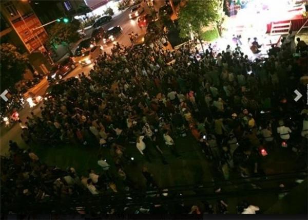 Đường phố tắc nghẽn với bữa tiệc sinh nhật của vị đại gia Thái Bình. (Ảnh: Internet)
