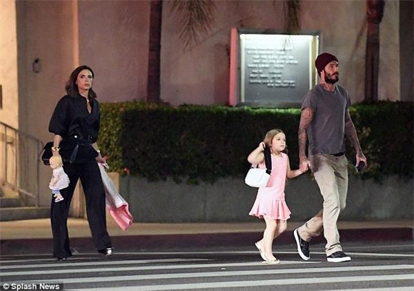 Brooklyn Beckham bị bắt gặp hẹn hò với bạn gái cũ của Justin Bieber
