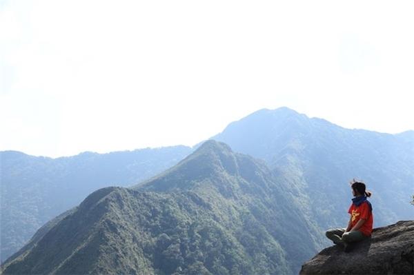 Đỉnh cao nhất có độ cao 2865m và là đỉnh núi xếp thứ 10 trong 10 đỉnh núi cao nhất Việt Nam. (Ảnh: Internet)