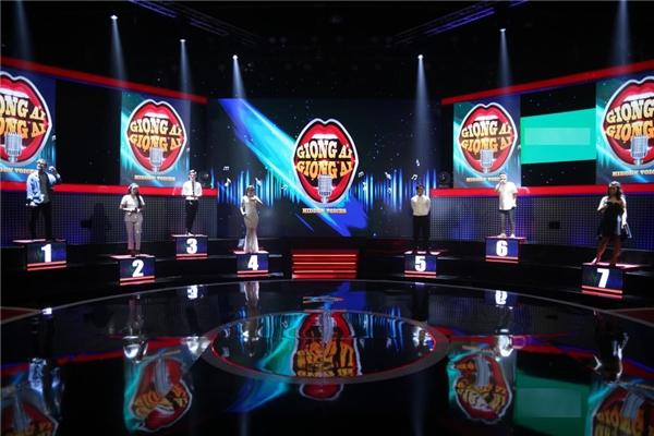 """Một vài thí sinh lựa chọn hit của ca sĩ Hồ Ngọc Hàvà Sơn Tùng M-TP để biểu diễn. Và """"oái ăm"""" thay, họ đều là những giọng ca…phá hit.Tập 1 sẽ chính thức lên sóng vào lúc 19g, tối thứ Bảy, ngày 5/11/2016 trên kênh HTV7. - Tin sao Viet - Tin tuc sao Viet - Scandal sao Viet - Tin tuc cua Sao - Tin cua Sao"""