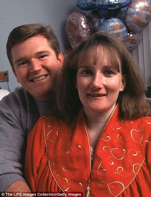 Vợ chồng cô Bobbi
